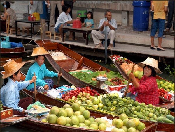 Damnoen Saduak Floating Market Incl. Lunch