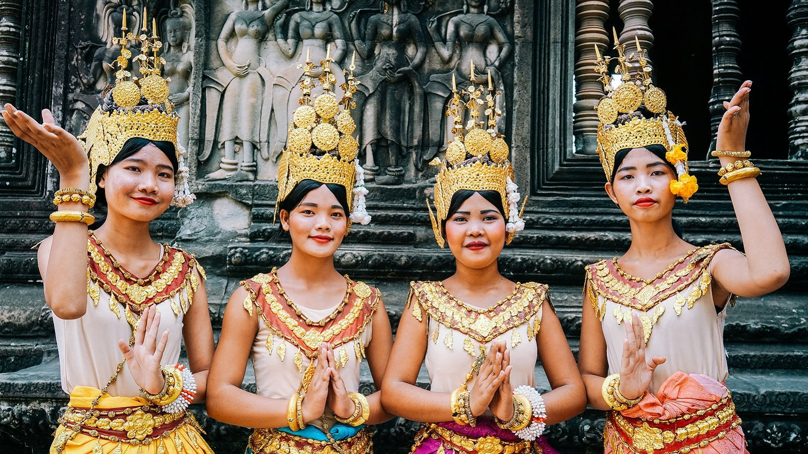 joint-trails-apsara-dancers-at-angkor